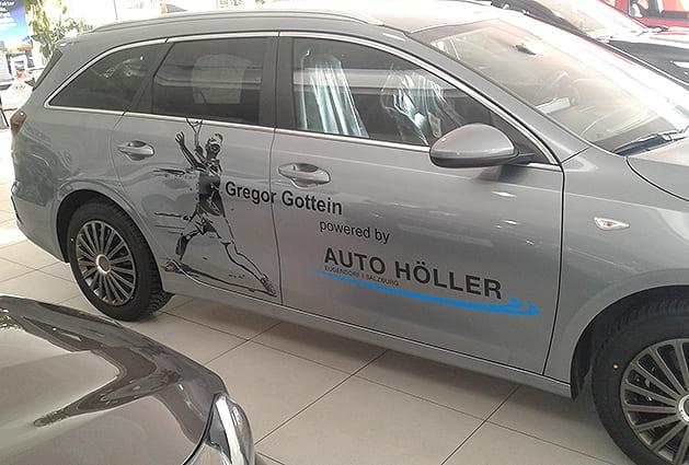 Sponsorfahrzeug Auto Höller Beschriftung